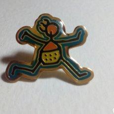 Pins de colección: CURIOSO PIN. Lote 194646570