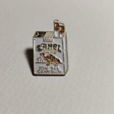 Pins de colección: PIN PAQUETE DE TABACO CAMEL. Lote 194741936