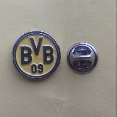 Pins de colección: PIN ESCUDO EQUIPO DE FUTBOL - ALEMAN - BORUSSIA DORMUND. Lote 194875497