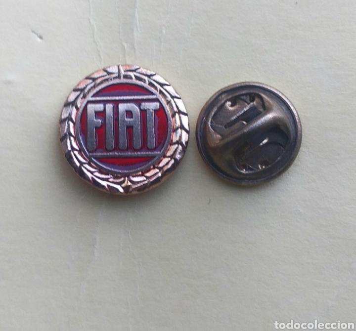 PIN - MARCA DE COCHE - MOTOR - FIAT (Coleccionismo - Pins)