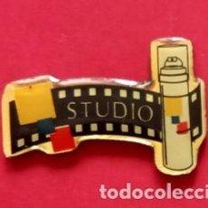 Pins de colección: PIN STUDIO DE L'OREAL. Lote 195059180