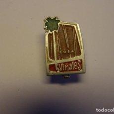 Pins de colección: INSIGNIA CUBANA AÑOS 70, VIÑALES.. Lote 195060625