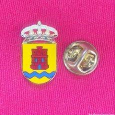 Pins de colección: PIN HERALDICO - ESCUDOS DE LOS PUEBLOS DE ESPAÑA - MADRID - FUENTIDUEÑA DEL TAJO. Lote 195064330