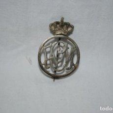 Pins de colección: ANTIGUA INSIGNIA , CON LETRAS .. Lote 195130448