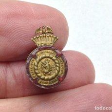 Pins de colección: INSIGNIA - ANTIGUO PIN MONTEPIO SAN CRISTOBAL BARCELONA - SEGUROS. Lote 195277808