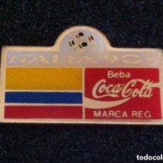 Pins de colección: PIN COCA COLA MUNDIAL FUTBOL ITALIA 90. Lote 195379037