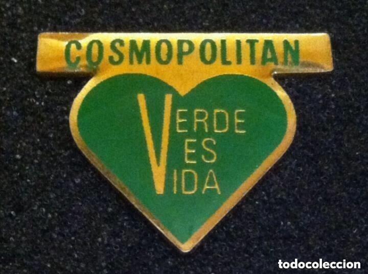 ANTIGUO PIN REVISTA COSMOPOLITAN (Coleccionismo - Pins)