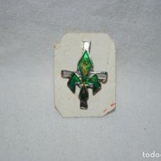 Pins de colección: ANTIGUA INSIGNIA RELIGIOSA .. Lote 195406217