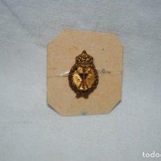 Pins de colección: ANTIGUA INSIGNIA DE COFRADIA . Lote 195406602