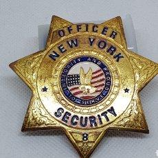 Pins de colección: CHAPA O PLACA OFFICER NEW YORK SECURITY. Lote 195413726