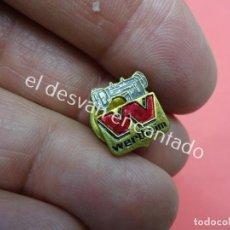 Pins de colección: ANTIGUA INSIGNIA DE SOLAPA MAQUINAS DE COSER WERTHEIM. Lote 195422093