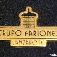 Pins de colección: PIN HOTEL GRUPO FARIONES (LANZAROTE). Lote 195422917
