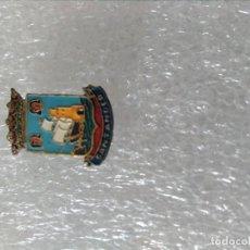 Pins de colección: INSIGNIA HERALDICA SANTANDER. Lote 195449603