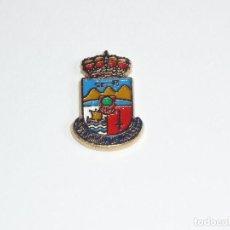 Pins de colección: PIN HERALDICO DE VILLAGARCIA DE AROUSA (PONTEVEDRA). Lote 195485857