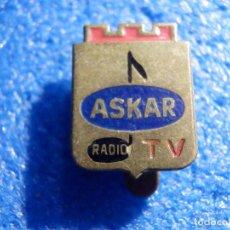Pins de colección: INSIGNIA DE OJAL - ASKAR - RADIO - TV. Lote 195523526