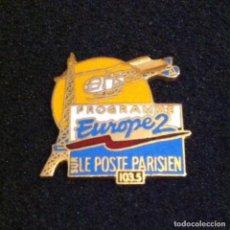 Pins de colección: ANTIGUO Y PRECIOSO PIN RADIO EUROPE 2. Lote 195533710
