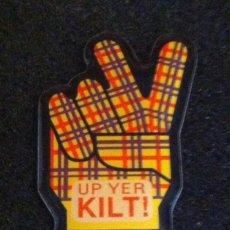 Pins de colección: PIN UP YER KILT!. Lote 195534991