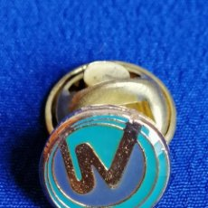 Pins de colección: PIN PARTIDO POLITICO UNION VALENCIANA- VICENTE GONZALEZ LIZONDO. Lote 198590706
