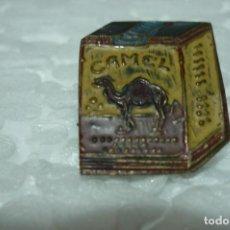 Pins de colección: CAMEL. UNICO EN T.C. ANTIGUO PIN ESMALTADO. DE ALFILER. . Lote 199485748