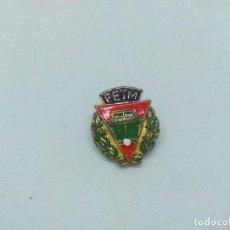 Pins de colección: INSIGNIA METAL TENIS. Lote 199807028