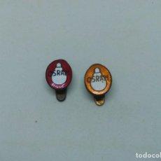 Pins de colección: 2 INSIGNIA METAL BOMBILLAS OSRAM. Lote 199808640