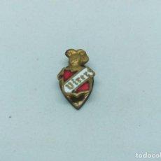 Pins de colección: INSIGNIA DE VINO VIRER. Lote 200551392