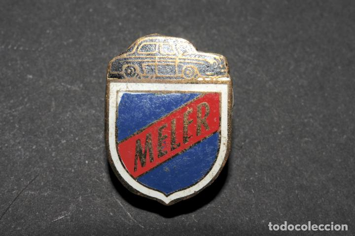 PIN - INSIGNIA DE SOLAPA - MELER (COCHES) (Coleccionismo - Pins)