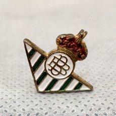 Pins de colección: BROCHE ESCUDO REAL BETIS BALOMPIÉ ESMALTADO ANTIGUO. Lote 203538871