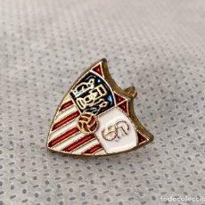 Pins de colección: BROCHE INSIGNIA SEVILLA FÚTBOL CLUB ESMALTADO ANTIGUO. Lote 203539066