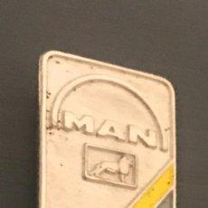 Pin's de collection: ANTIGUA INSIGNIA AGUJA AUTOMOVIL CAMION MAN. Lote 204508795