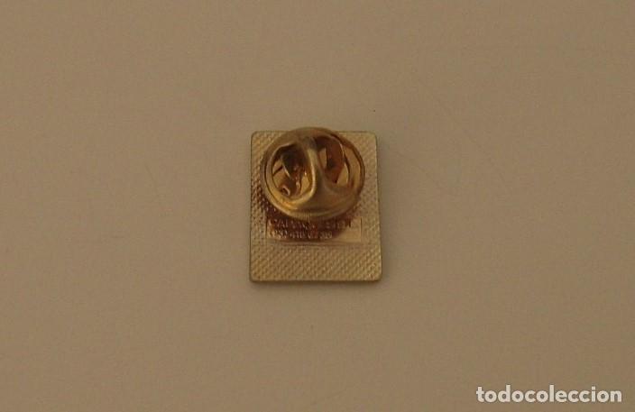 Pins de colección: PIN METÁLICO DE CADENA DIAL RADIO - Foto 2 - 205271207
