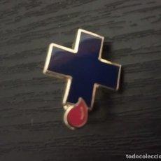 Pins de colección: -PIN INSIGNIA DE AGUJA . DONANTES DE SANGRE, CRUZ AZUL. Lote 205607495