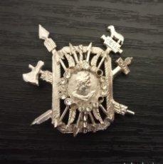 Pins de colección: -PIN INSIGNIA DE AGUJA . EMBLEMA MILITAR ? CESAR ROMA .. Lote 205607523