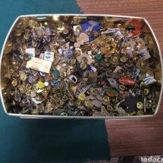 Pins de colección: CASI 200 PINS SIN REVISAR NI CLASIFICAR.. Lote 207783618