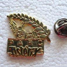 Pins de colección: PIN DE DIBUJOS ANIMADOS COMICS TEBEOS. ASTERIX Y OBÉLIX. PARQUE ATRACCIONES PARIS PARC ASTERIX. Lote 262853250