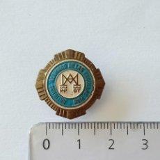 Pins de colección: INSIGNIA SOLAPA ANTIGUOS ALUMNOS DE LAS ESCUELAS PIAS. Lote 210522246