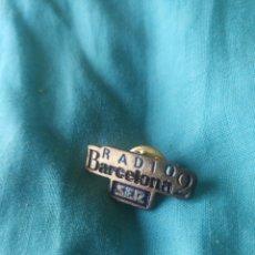 Pin's de collection: PIN RADIO BARCELONA 2 SER. Lote 210821861
