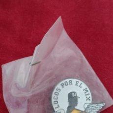 Pins de colección: PIN - LOCOS POR EL MIX - MAX. Lote 211276641