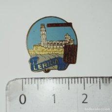 Pins de colección: INSIGNIA DE AGUJA LÉRIDA. Lote 211429092
