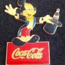 Pins de colección: ANTIGUO Y PRECIOSO PIN DE COCA COLA Y MICKEY MOUSE. Lote 212188191