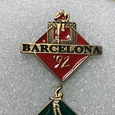 Pins de coleção: LOTE 2 PIN BARCELONA 92. Lote 212556630