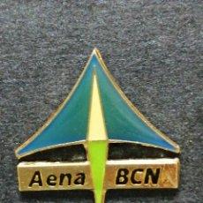 Pin's de collection: PIN AENA BARCELONA LINIAS AÉREAS. Lote 213123221