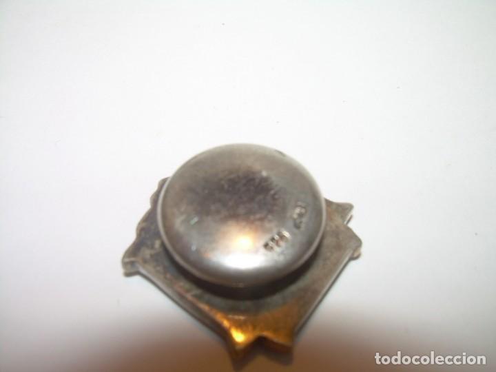 Pins de colección: ANTIGUA INSIGNIA DE PLATA Y ORO BAJO.CON CONTRASTES.ASOC.ESPAÑOLA DE CIRUJANOS.FUNDADA EN 1934. - Foto 4 - 213159743