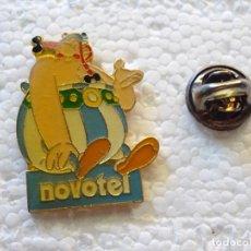Pins de colección: PIN DE DIBUJOS ANIMADOS COMICS TEBEOS. ASTERIX Y OBÉLIX. OBELIX NOVOTEL. Lote 262853275