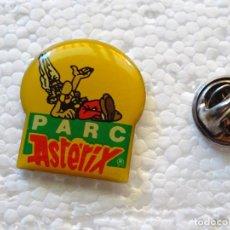 Pins de colección: PIN DE DIBUJOS ANIMADOS COMICS TEBEOS. ASTERIX Y OBÉLIX. ASTERIX PARC PARQUE ATRACCIONES. Lote 262853300