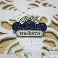 Pins de colección: PIN CASINO PALADIUM MALLORCA. Lote 215772576