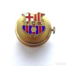 Pins de colección: INSIGNIA - PIN - CON RELOJ EN LA PARTE TRASERA SOLAPA - FUTBOL CLUB BARCELONA, AÑO 20. Lote 217691482