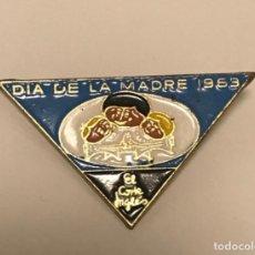 Pin's de collection: PIN INSIGNIA AGUJA EL DIA DE LA MADRE AÑO 1963 PUBLICIDAD EL CORTE INGLÉS. Lote 218135726