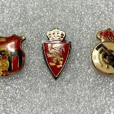 Pins de coleção: 136.LOTES 3 PIN DE FUTBOL (MADRID, BARCELONA Y ZARAGOZA). Lote 218349725