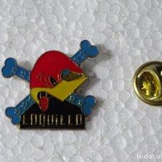 Pins de colección: PIN DE MÚSICA. LOQUILLO Y LOS TROGLODITAS. Lote 218943346